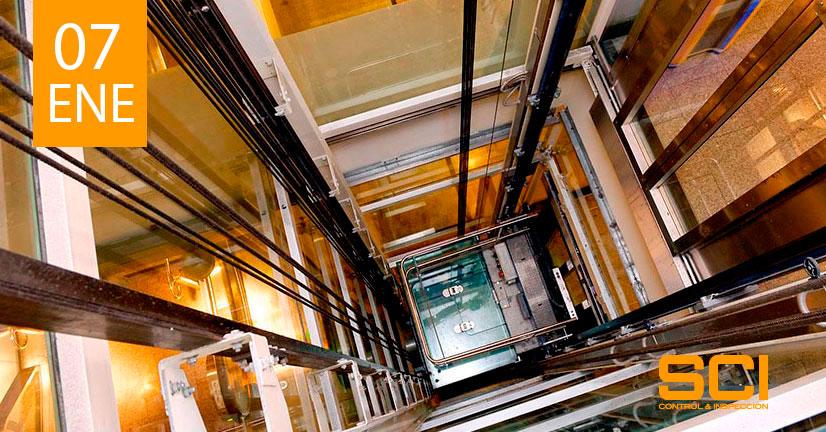 inspección reglamentaria en ascensores